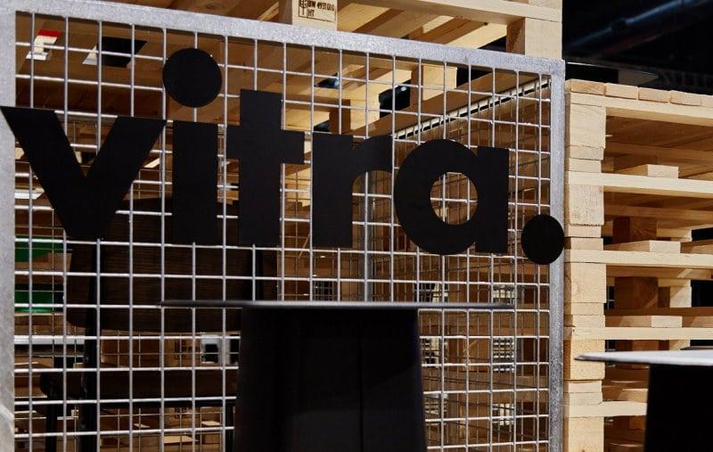 Entwurf in Tokio, Realisation in Mailand, Dokumentation im Zeitraffer